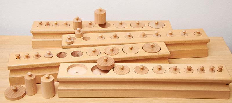 EMBL - Ecole maternelle Montessori bilingue - Matériel sensoriel